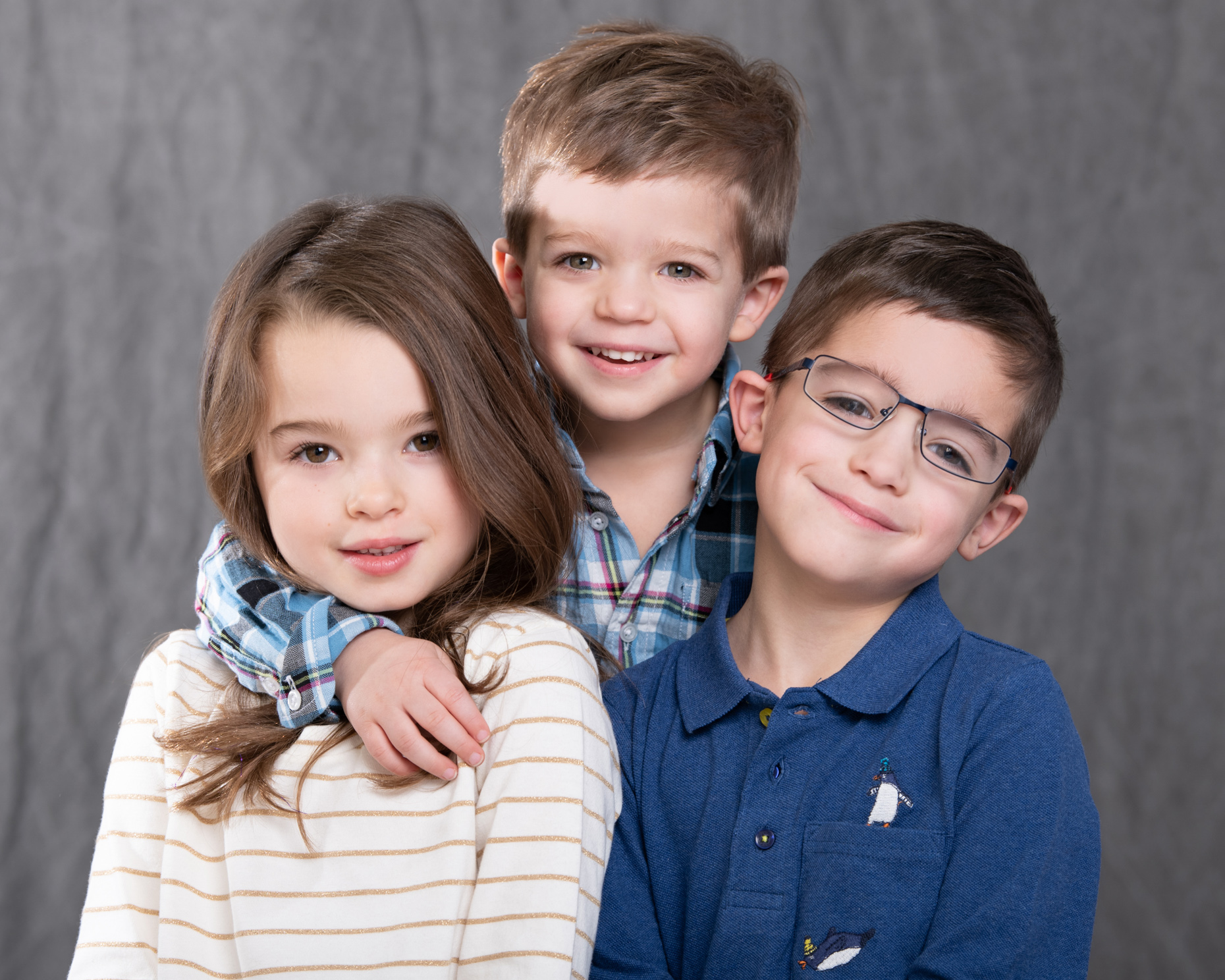 family-shot-kids-studio